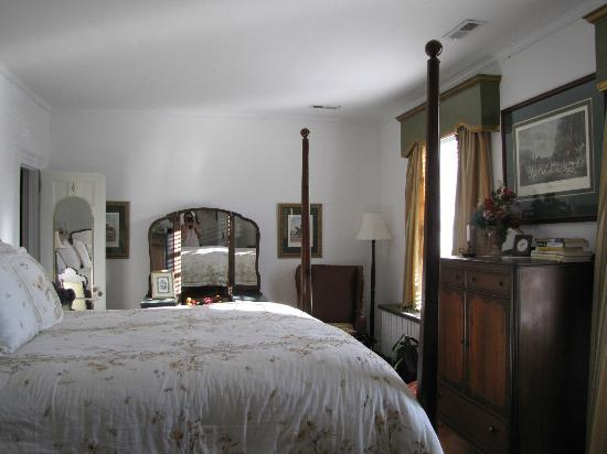 Applewood Colonial Bed and Breakfast : Twin Elms Room