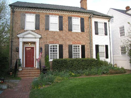 Photo of Applewood Colonial Bed and Breakfast Williamsburg