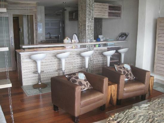 Cornerstone Guesthouse: Blick auf Küche