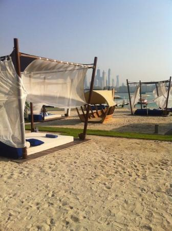 Rixos The Palm Dubai: very nice beach loungers