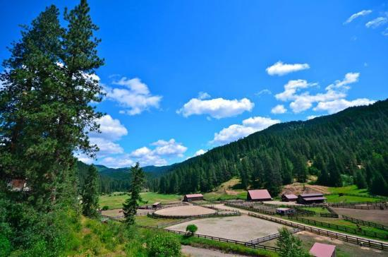 Red Horse Mountain Ranch: View from the main lodge deck