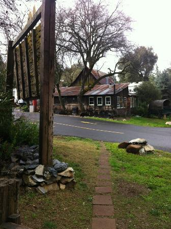 49er RV Ranch: Entrance to RV Park.