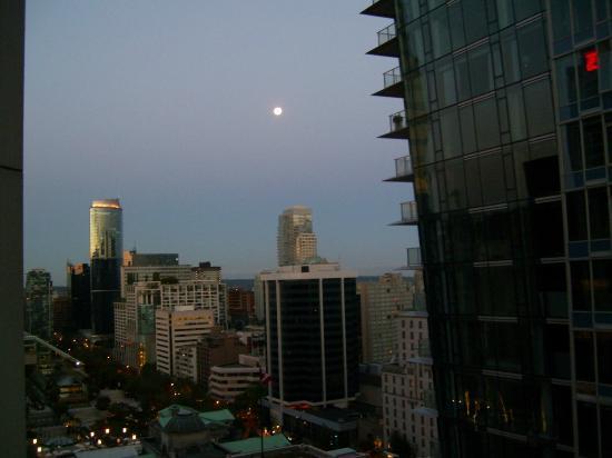 Four Seasons Hotel Vancouver : Night Sky