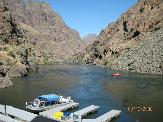 Killgore Adventures Hells Canyon Jet Boat Trips & Fishing Trips: Kayakers