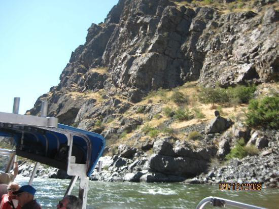Killgore Adventures Hells Canyon Jet Boat Trips & Fishing Trips: Rocks