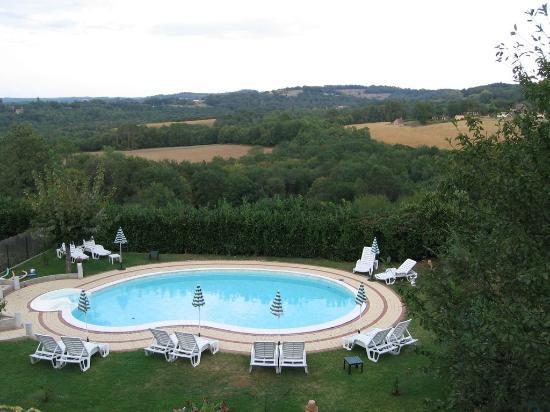 Hôtel Mounéa : vue de la chambre (et de la piscine de l'hôtel)