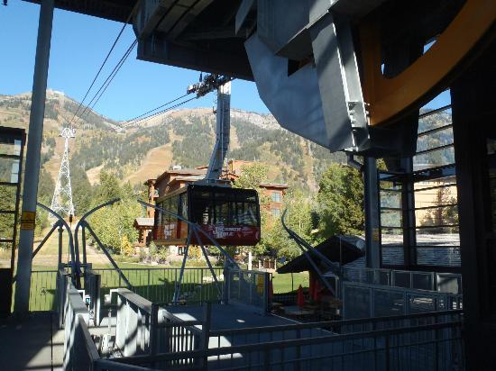 Jackson Hole Aerial Tram: Arriving at the base