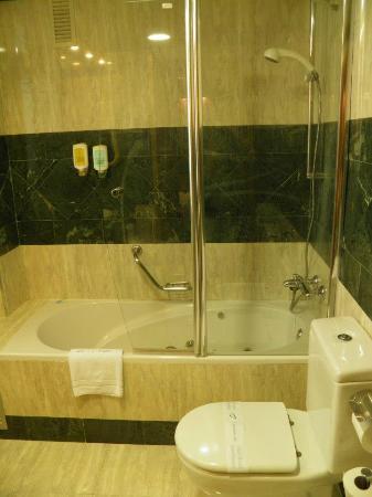 Abba Sants Hotel: vasca idromassaggio
