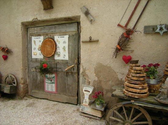 Siror, Italien: particolare di malga canali