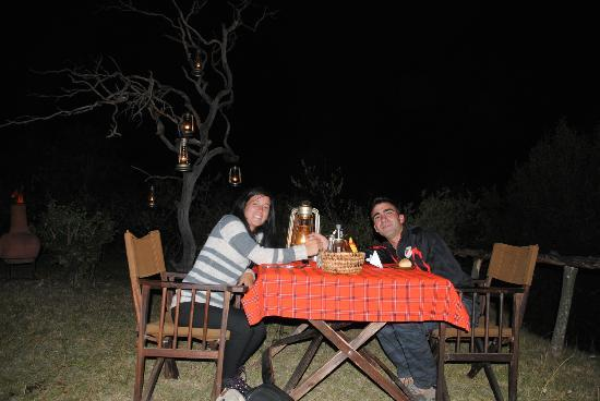 Enkerende Tented Camp: Cena espectacular