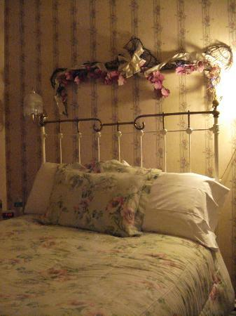 Castle Marne Bed & Breakfast: comfortable bed