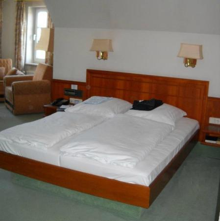 Krone Hotel: Suite: zona letto