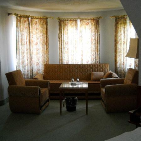Krone Hotel: Suite: zona salotto nella torretta