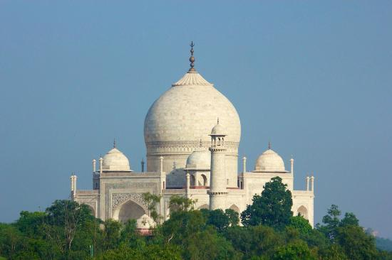 The Oberoi Amarvilas: View over Taj Mahal