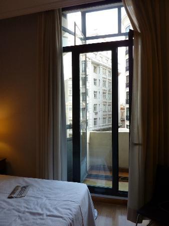 โรงแรมทริพ มาดริด ซิเบเลส: 3