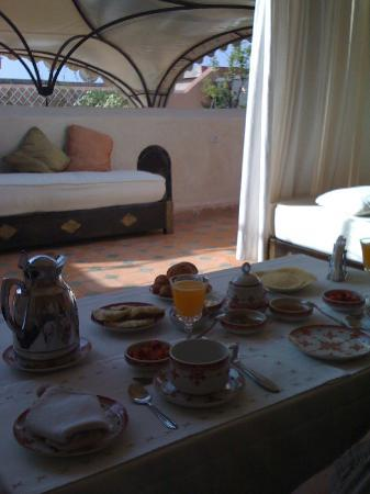 Riad Andalouse: petit déjeuner en terrasse