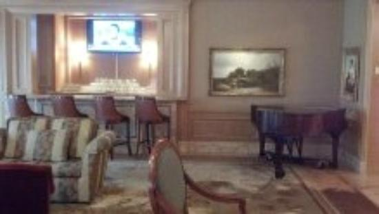 The Ritz-Carlton, Cleveland: the lounge