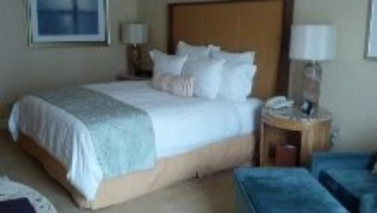 The Ritz-Carlton, Cleveland: comfy bed