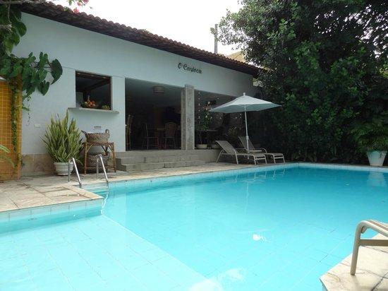 Pousada Castanheira: área bar e piscina