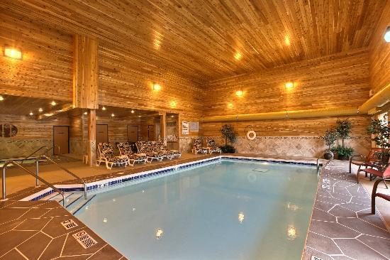 Comfort Inn: Newly renovated pool/spa in 2012