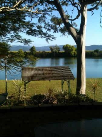 Tweed River Motel: Breakfast by the river