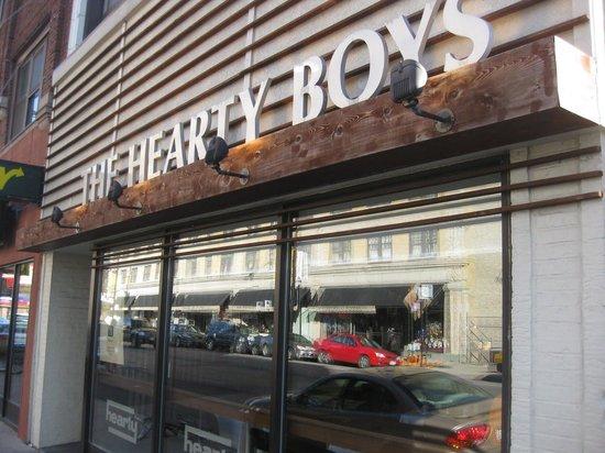 Hearty Boys : Exterior
