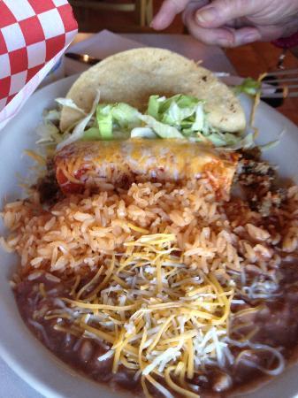Great MEX: Taco, Enchilada, rice & beans!