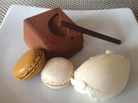 Hooples: This dessert was amazing... indulgently rich, but perfect for sharing!