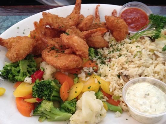 Peter's on Eglinton : breaded shrimp lunch