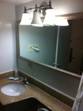 The Seahawk: Bathroom 