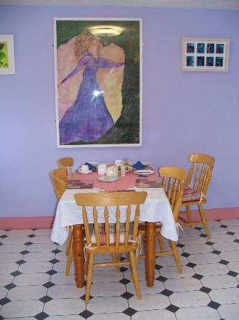 O'Connor's Guesthouse Accomodation: Bright and charming breakfast area