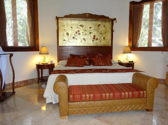 Paradisus Rio de Oro Resort & Spa: Room in the Royal Service Section