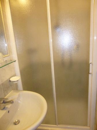 Hotel Franchi : Bathroom