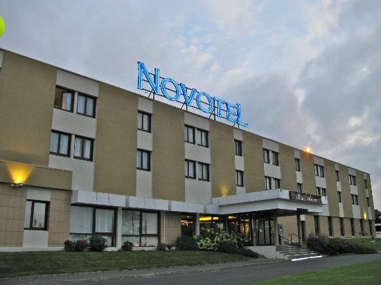 Novotel Bayeux : Front of the hotel