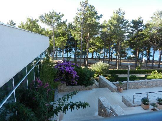 Bluesun Hotel Elaphusa: Hotel, Promenade, Strand