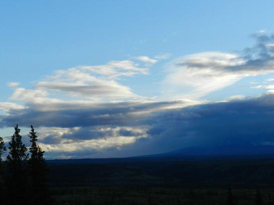Copper River Princess Wilderness Lodge: evening sky