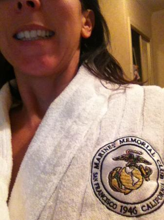 Marines Memorial Club Hotel: nice bathrobe in the room
