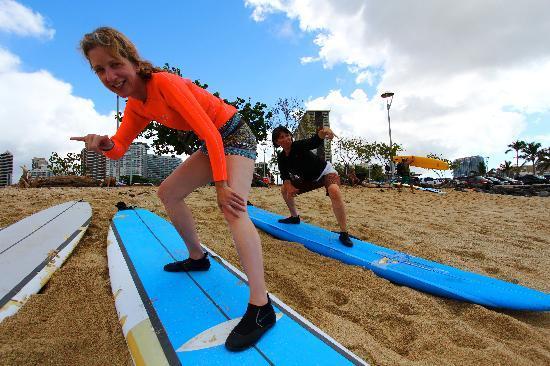 Alysha Surf School : Alysha Surf Lesson