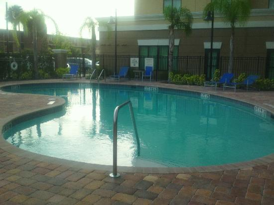 Holiday Inn Express Hotel & Suites Orlando - International Drive : Very quiet pool