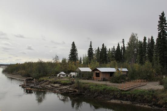 Fairbanks Princess Riverside Lodge : view from river boat