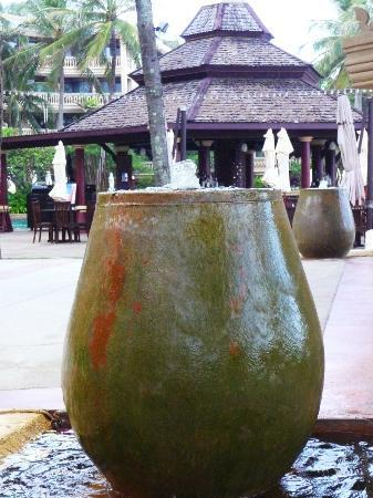 Kata Beach Resort and Spa: grounds