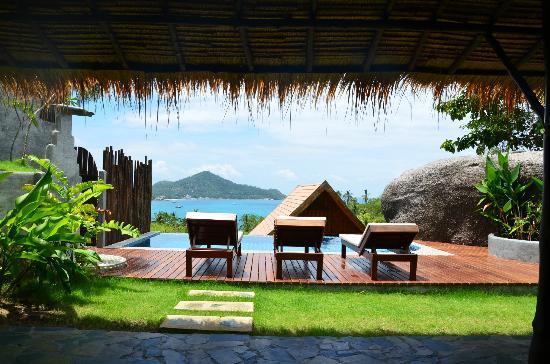 เกาะเต่าไฮท์ บูติควิลล่า: View from the outdoor living area, over the pool and out over Koh Tao