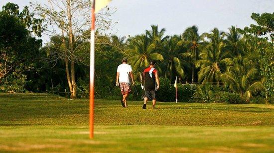 Maya Siargao Golf: sunday golf with the fox