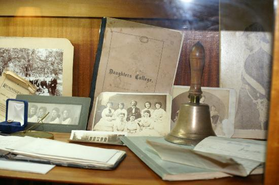 Beaumont Inn Dining Room : Exhibit in Beaumont Inn