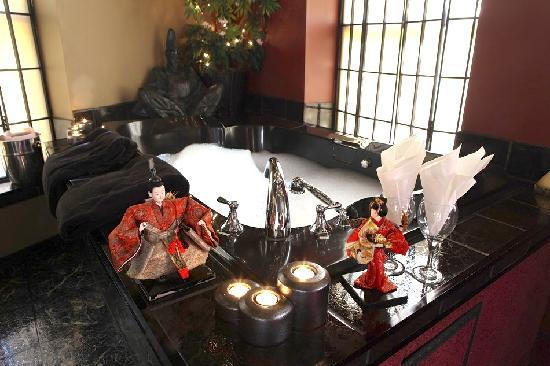 Mariaggi's Theme Suites Hotel and Spa: Japan-Samurai.  Oriental Elegance.