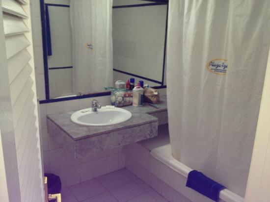 Plaza Azul: bathroom