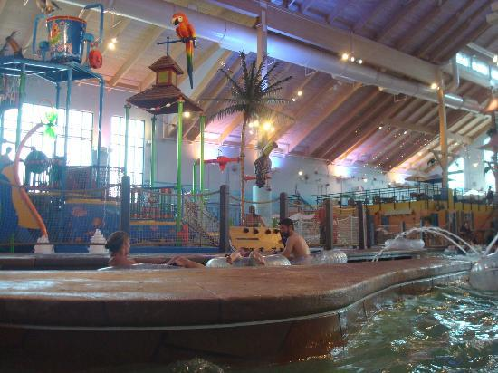 Coco Key Water Resort at Courtyard by Marriott Fitchburg: On the lazy river