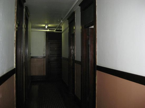 Panama Hotel: Hallway