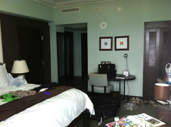 The Palms Hotel & Spa : ROOM