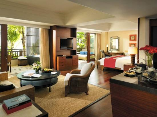 Shangri-La's Boracay Resort & Spa: Beautifully furnished rooms